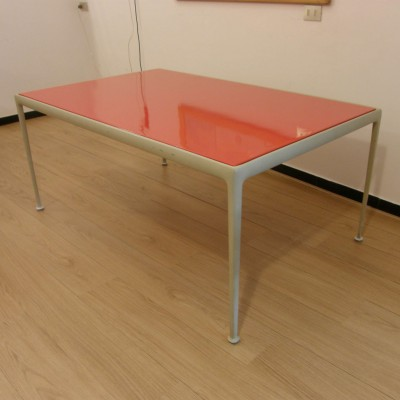 Outdoor collection dining table from the sixties by Richard Schultz for Knoll