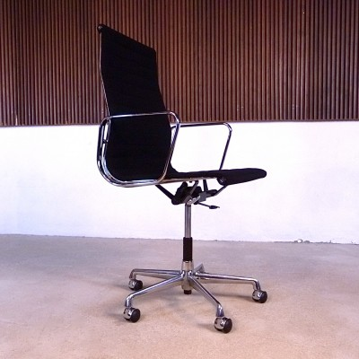 EA 119 Alumimium Group Office Chair by Charles and Ray Eames for Vitra