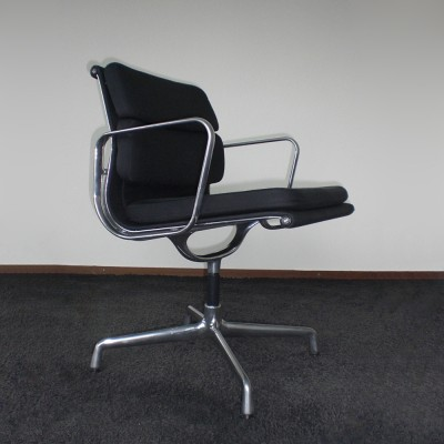 EA208 Soft Pad Office Chair by Charles and Ray Eames for Vitra