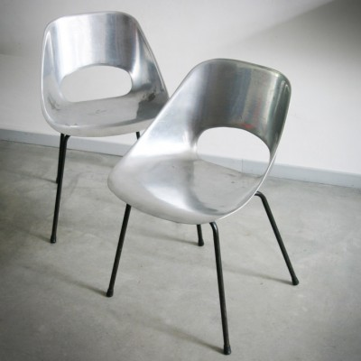 Pair of Tulipe dining chairs by Pierre Guariche for Steiner, 1950s