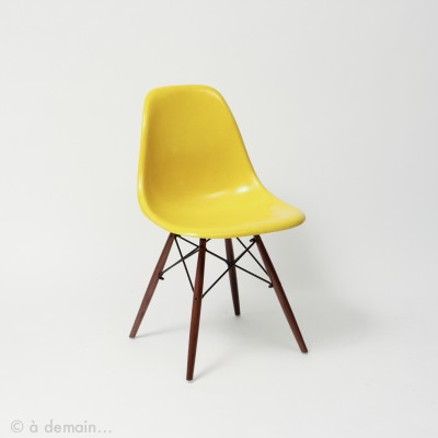 5 x Yellow DSW with Dowel base dining chair by Charles & Ray Eames for Herman Miller, 1950s