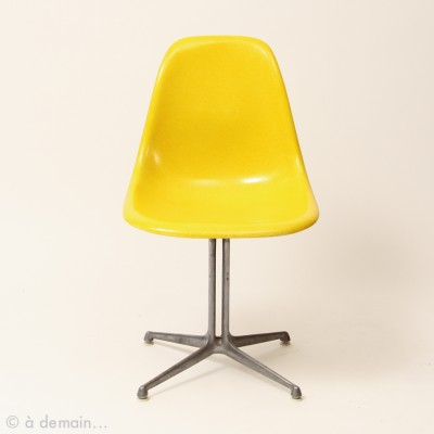 5 x DSW with La Fonda base dining chair by Charles & Ray Eames for Herman Miller, 1950s