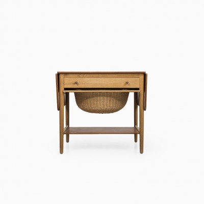 AT-33 Sewing Box Side Table by Hans Wegner for Andreas Tuck
