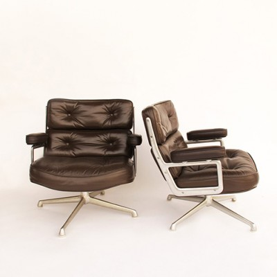 Pair of Time life lounge chairs by Charles & Ray Eames for Herman Miller, 1960s