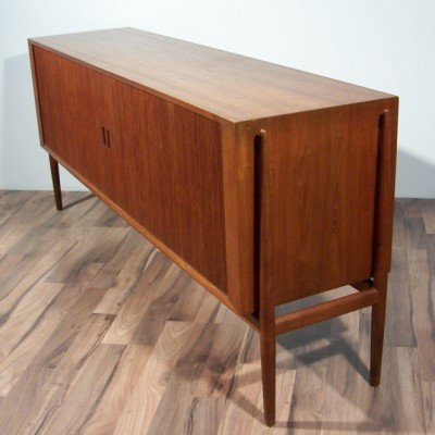NV954 sideboard from the fifties by Finn Juhl for Niels Vodder