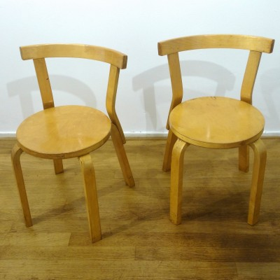 Pair of dining chairs by Alvar Aalto for Artek, 1930s