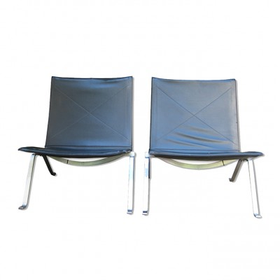 Pair of PK22 lounge chairs by Poul Kjærholm for Fritz Hansen, 1950s