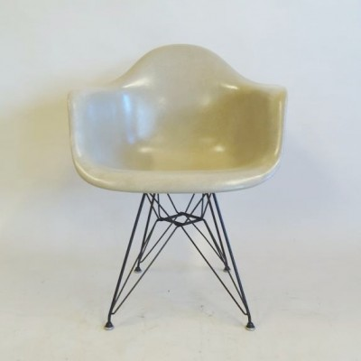 DAR Dinner Chair by Charles and Ray Eames for Herman Miller