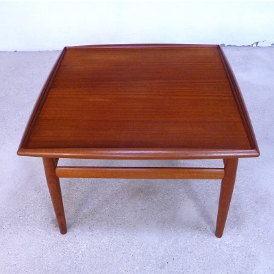 Coffee table from the sixties by Grete Jalk for Glostrup