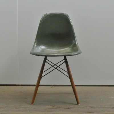 2 DSW Olive Green Dark dinner chairs from the fifties by Charles & Ray Eames for Herman Miller