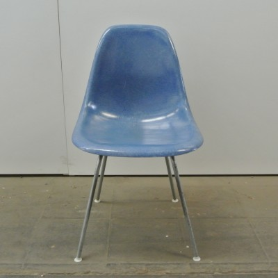 2 DSX Medium Blue dinner chairs from the fifties by Charles & Ray Eames for Herman Miller