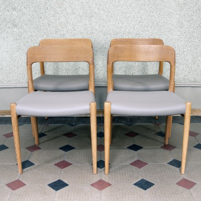 Set of 4 Model 75 dinner chairs from the fifties by Niels O. Møller for J L Møller