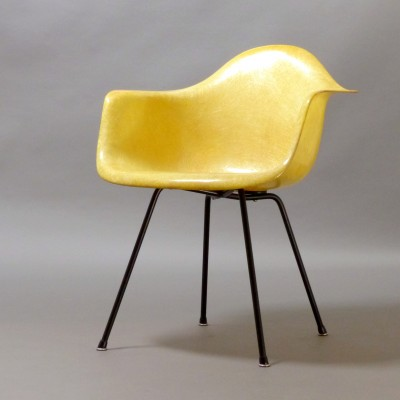 Fiberglas Armchair Lounge Chair by Charles and Ray Eames for Zenith Plastics