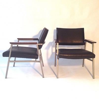Pair of A3 lounge chairs by Avanti, 1960s