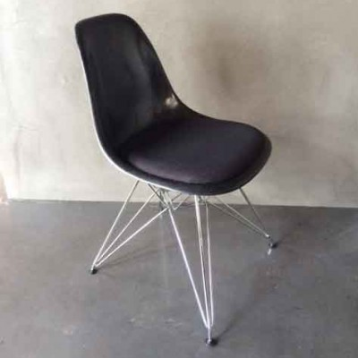 DSR Dinner Chair by Charles and Ray Eames for Vitra
