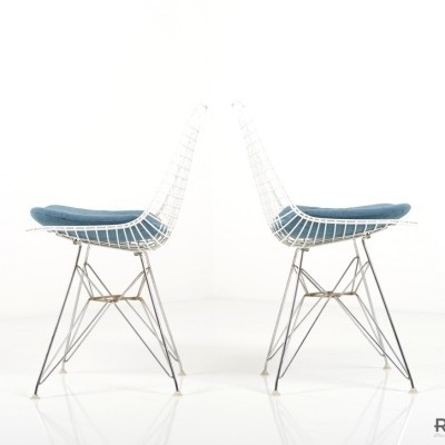 Pair of Wire dinner chairs by Charles & Ray Eames for Herman Miller
