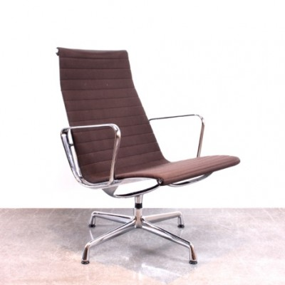 EA116 lounge chair by Charles & Ray Eames for Vitra