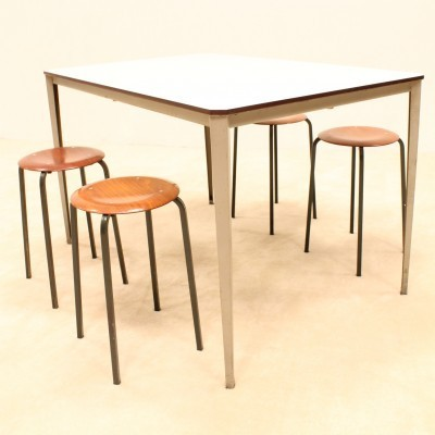 7 x Recent dining table by Wim Rietveld for Ahrend de Cirkel, 1950s