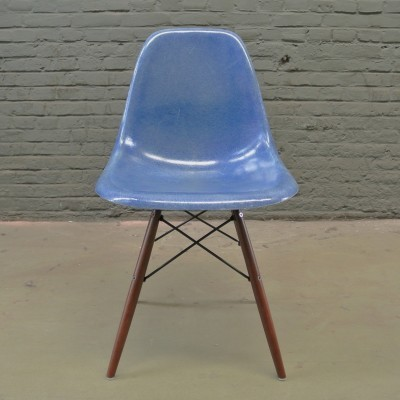 2 DSW Medium Blue dinner chairs from the fifties by Charles & Ray Eames for Herman Miller