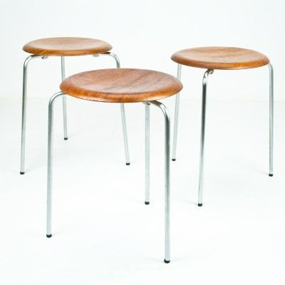 Dot / 3170 Stool by Arne Jacobsen for Fritz Hansen
