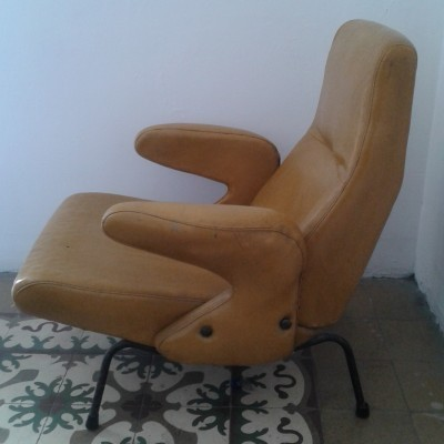 Pair of Delfino lounge chairs by Erberto Carboni for Arflex, 1950s