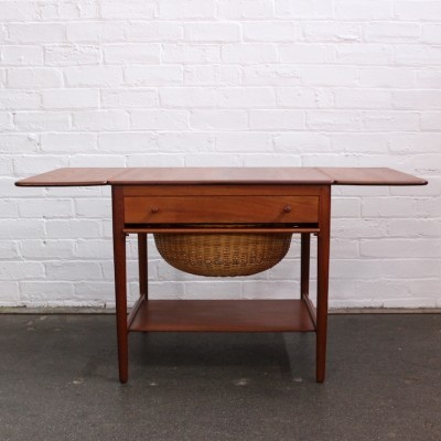 AT 33 side table from the fifties by Hans Wegner for Andreas Tuck