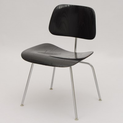 DCM dinner chair from the sixties by Charles & Ray Eames for Vitra
