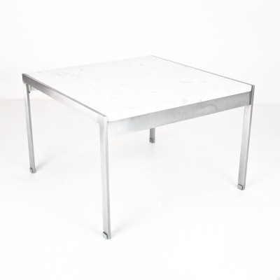 Model 020 coffee table from the fifties by Kho Liang Ie for Artifort