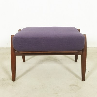 GE - 240 Ottoman stool from the sixties by Hans Wegner for Getama