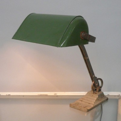 Bankierslamp desk lamp from the thirties by unknown designer for unknown producer