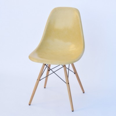 6 DSW Fiberglass - Ocre Light dinner chairs from the fifties by Charles & Ray Eames for Herman Miller