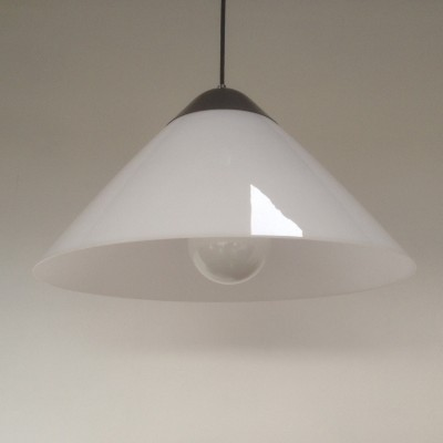 Hanging lamp from the seventies by Hans Wegner for Louis Poulsen