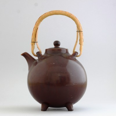 Teapot by Gunnar Nylund for Rörstrand, 1940s