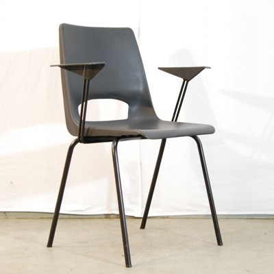 Pair of dinner chairs by Philippus Potter for Ahrend de Cirkel, 1970s