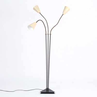 Floorlamp with copper arms