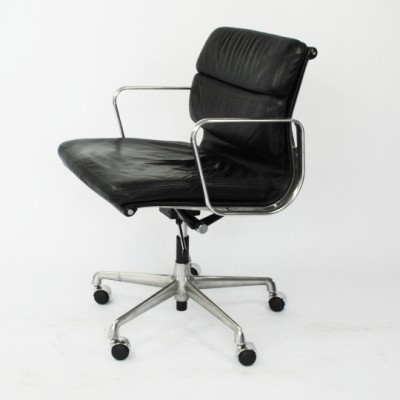 AE217 office chair from the fifties by Charles & Ray Eames for Herman Miller