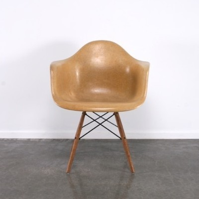 DAW arm chair by Charles & Ray Eames for Zenith Plastics, 1950s