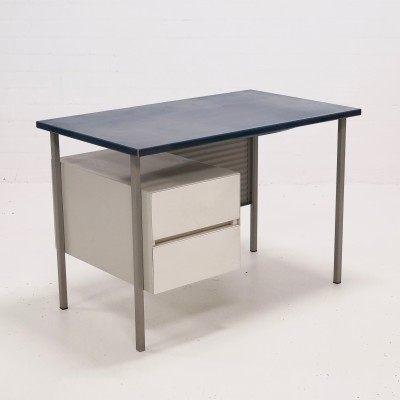 Writing desk from the sixties by André Cordemeyer for Gispen