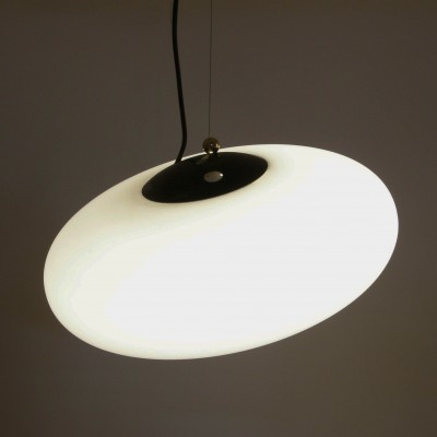 Model 1187 hanging lamp from the fifties by Gaetano Sciolari for Stilnovo