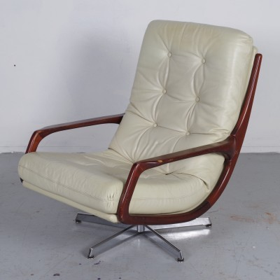 Club arm chair from the seventies by unknown designer for unknown producer