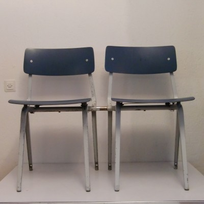 Set of 2 dinner chairs from the fifties by Friso Kramer for Ahrend de Cirkel