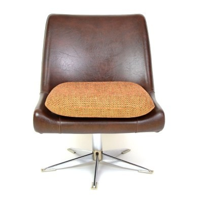 2 lounge chairs from the seventies by unknown designer for unknown producer