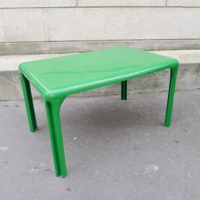 Stadio 120 dining table from the sixties by Vico Magistretti for Artemide