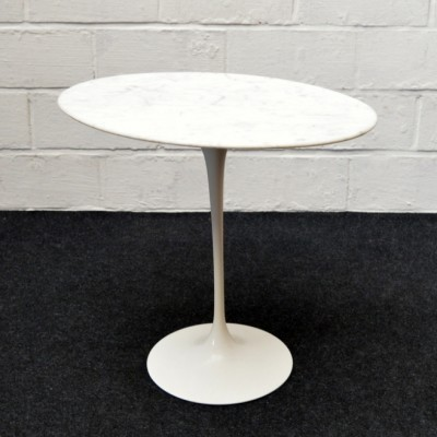 Side table from the fifties by Eero Saarinen for Knoll