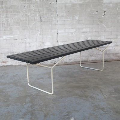 Bench from the sixties by Harry Bertoia for Knoll