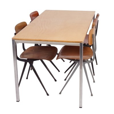 Facet dining table from the sixties by Friso Kramer for Ahrend de Cirkel