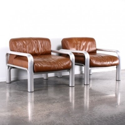 2 lounge chairs from the seventies by Gae Aulenti for Knoll