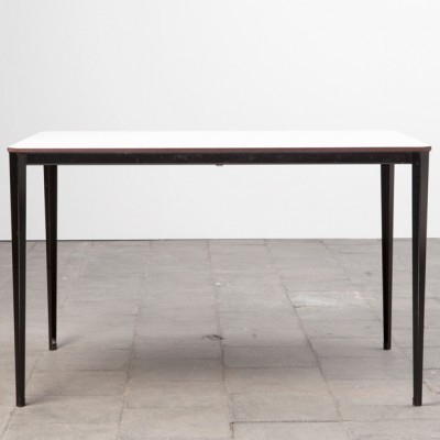 Recent dining table from the sixties by Wim Rietveld for Ahrend de Cirkel