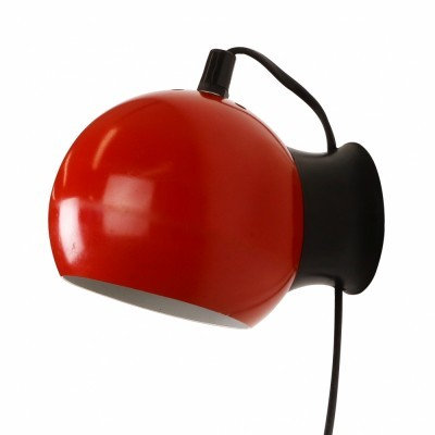 Vintage red & white metal wall light from the sixties #61774