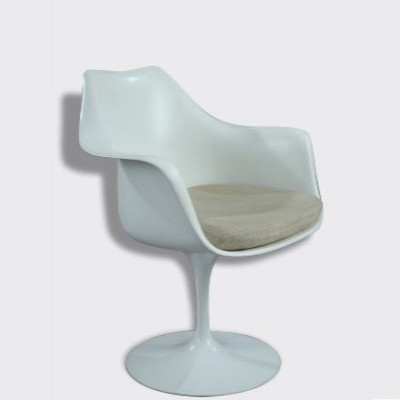 Tulip arm chair from the eighties by Eero Saarinen for Knoll International